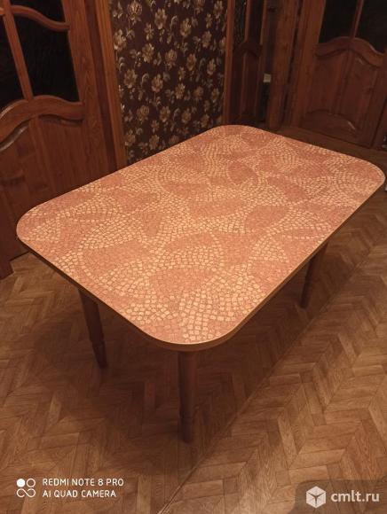 Кухонный стол. Фото 1.