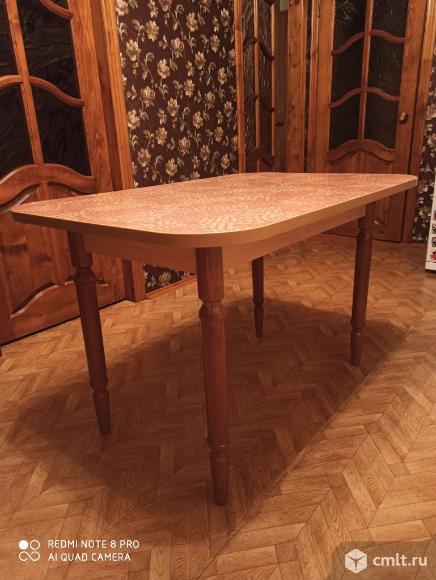 Кухонный стол. Фото 3.