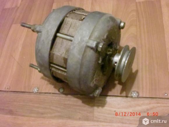 Электродвигатель от стиральной машины советской.. Фото 1.