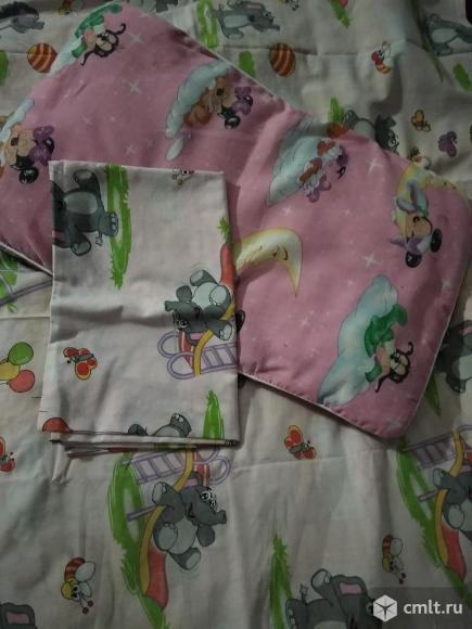 Подушка с наволочкой и простынью. Фото 1.