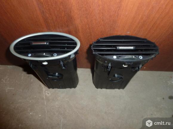 Дефлектор воздушный Ford Focus 2. Фото 1.