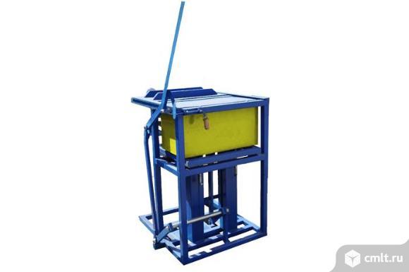 Вибропресс ручной для производства блоков из полистиролбетона. Фото 1.