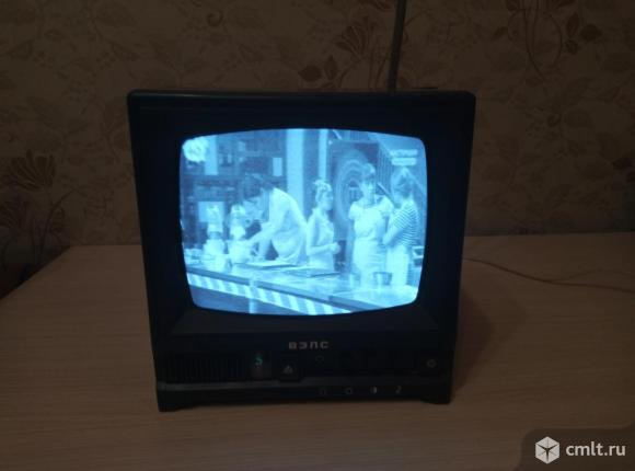 Телевизор кинескопный ч/б ВЭЛС 23ТБ-433Д. Фото 1.