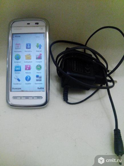 Телефон Nokia 5230. Фото 1.