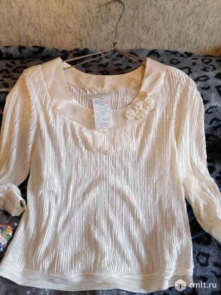 Блузка очень нарядная. Фото 1.