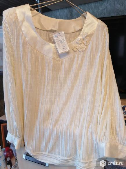 Блузка очень нарядная. Фото 3.