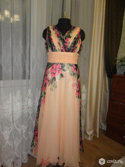 Шикарное платье в пол. Фото 5.