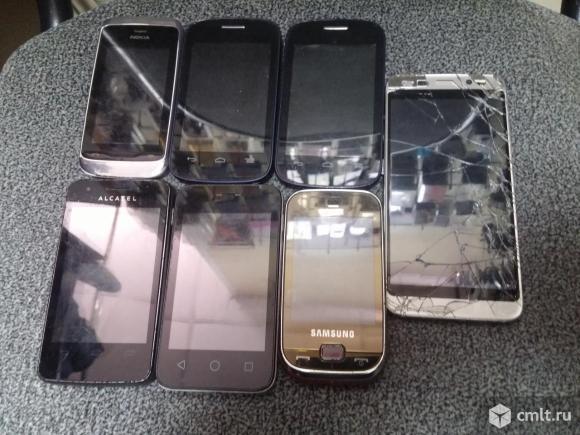 Телефоны на запчасти или восстановление. Фото 1.