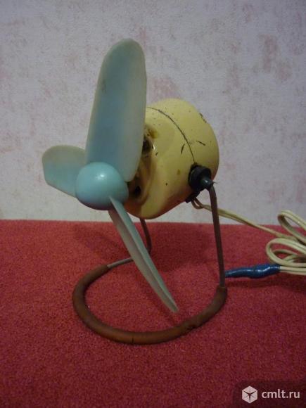 Вентилятор настольный. Фото 1.