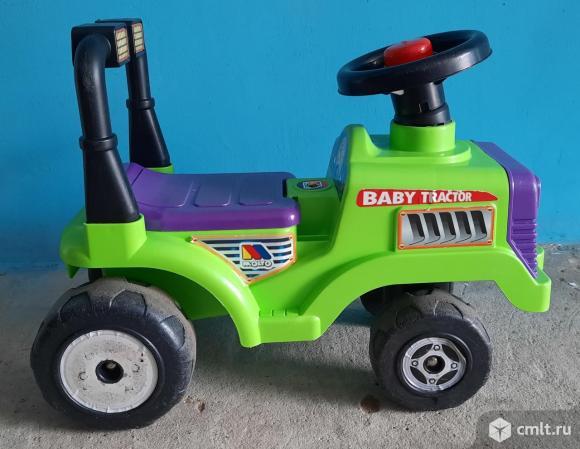 "Детская машинка каталка трактор Molto ""Митя"". Фото 1."