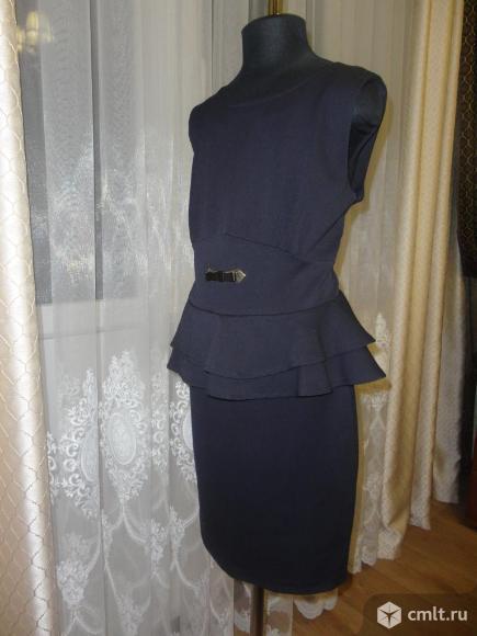 Школьное платье-сарафан в идеальном состоянии. Фото 1.