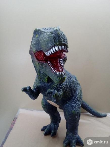 Тираннозавр резиновый. Фото 1.