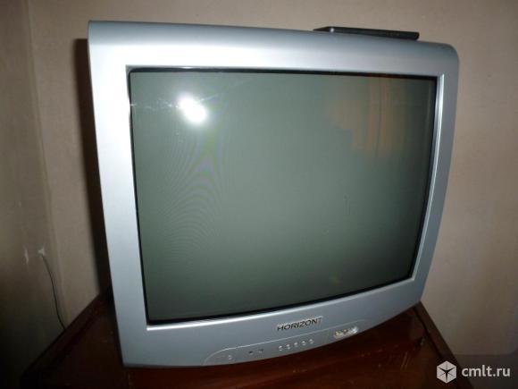 Телевизор кинескопный цв. Горизонт.. Фото 1.