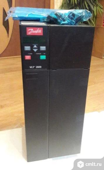 Частотный преобразователь Danfoss VLT2880. Фото 1.