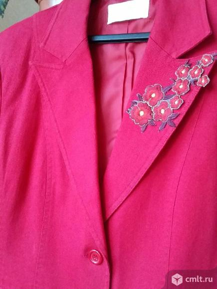 Пиджак женский красный. Фото 5.
