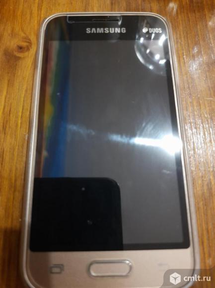 Смартфон Samsung Galaxi J1 mini. Фото 1.