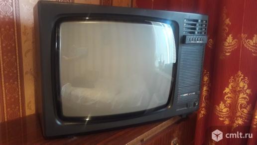 Телевизор кинескопный цв. ВЭЛС ВЭЛС 51 ТЦ 492. Фото 1.