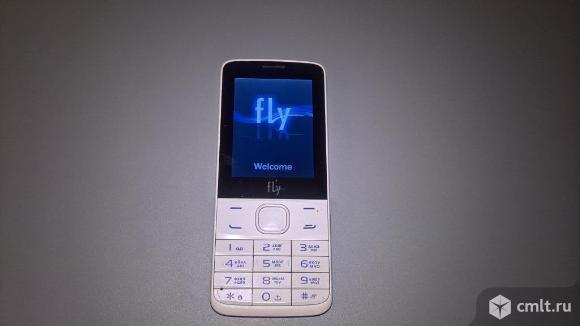 Телефон Fly Fly FF242. Фото 1.
