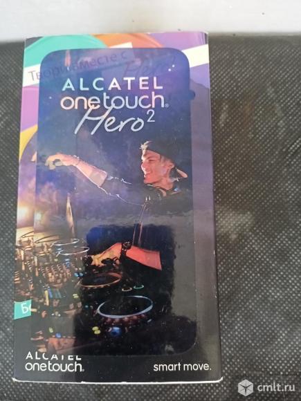 Телефон Алкатель 8030Y. Фото 1.