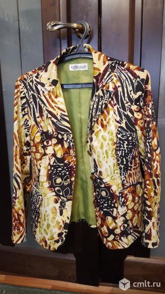 Пиджак цветной в отличном состоянии 50р. Фото 1.