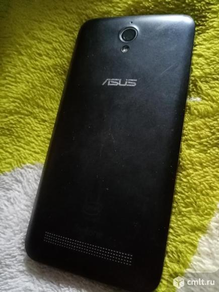 Смартфон Asus Z007. Фото 1.