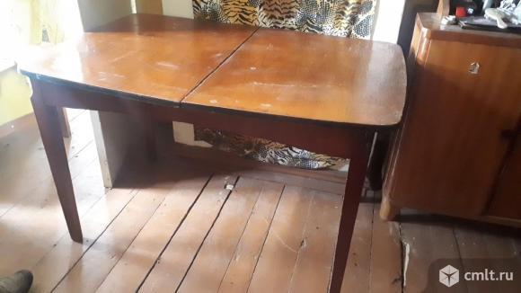 Продается стол. Фото 1.