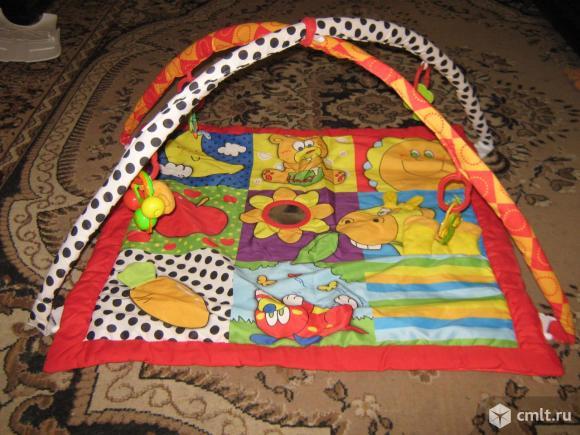 Развивающий коврик для малыша. Фото 1.