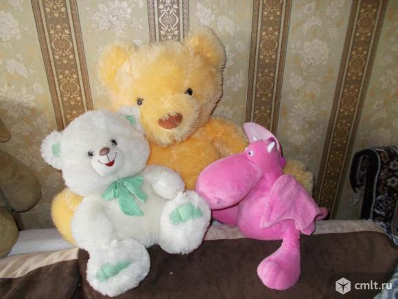 Мягкие игрушки и рюкзачки. Фото 1.