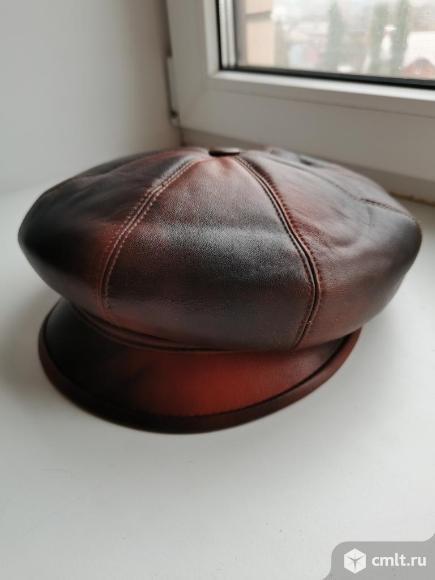 Кожаные шапки, новые. Фото 6.