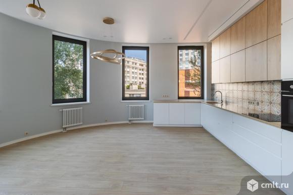 Продам 3-комн. квартиру 102.2 кв.м.. Фото 1.