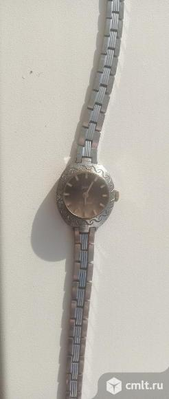 Часы наручные женские. Фото 1.