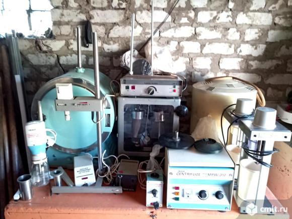 Лабораторное оборудование. Фото 1.