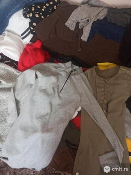 Пакеты одежды, в хорошем состоянии(на любое случай). Фото 6.