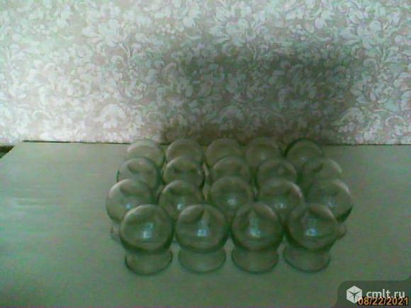 Медицинские баночки. Фото 1.
