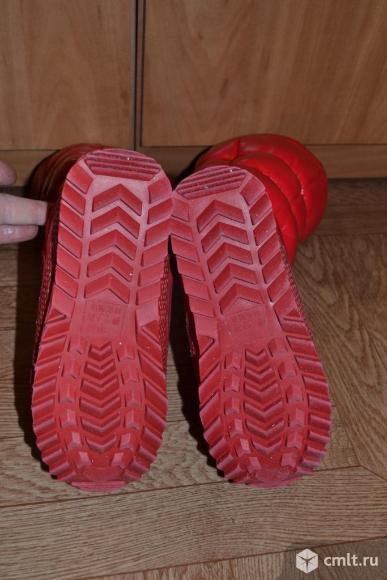 Сапожки дутые, красные, броские, демисезонные. Фото 3.
