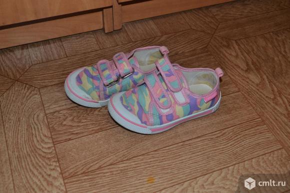 Детские кроссовки. Фото 2.
