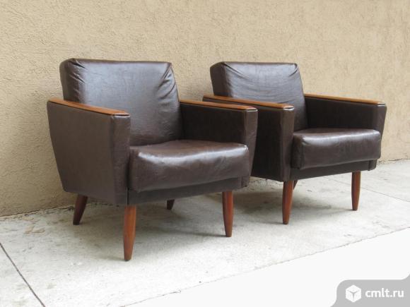 Винтажные кожаные кресла Чехословакия. Фото 1.