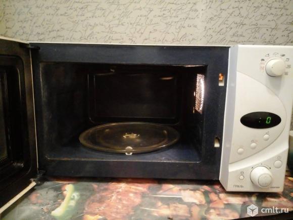 Микроволновая печь Samsung. Фото 2.