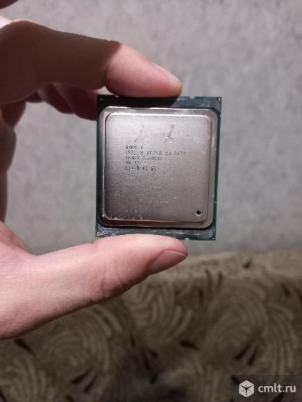 Процессор Intel E5 2670. Фото 1.
