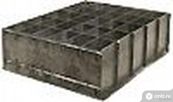 Форма металлическая на 30 стеновых блоков. Фото 1.