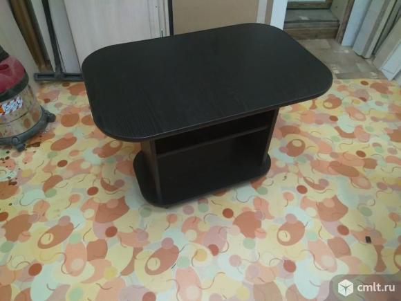 Новый стол журнальный (на колёсах). Фото 1.