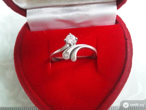 Кольцо Серебро 925 пробы с камнями.. Фото 1.