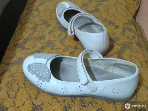 Туфли белые р.33. Фото 2.