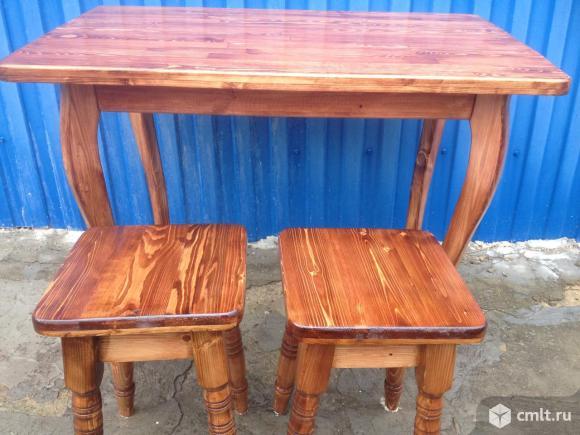 Стол кухонный и 4табуретки. Фото 1.