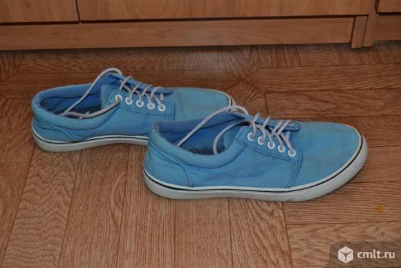 Кроссовки матерчатые, синие в отличном состояниии. Фото 1.