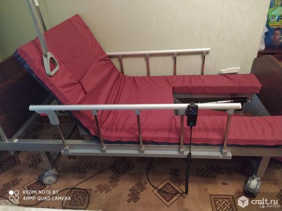 Кровать с электро приводом для лежащих больных. Фото 1.