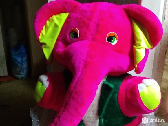 Слон большой мягкий. Фото 1.