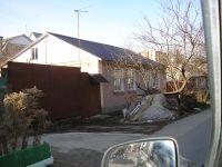 Продаётся доля дома по ул.Чехова,72, комната в пользовании 14кв.м расположена в левой части дома-два окна на улицу(восток) и одно во двор (юг)