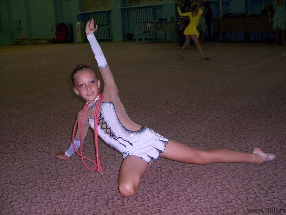 Продам купальник для художественной гимнастики для девочки 8-9лет