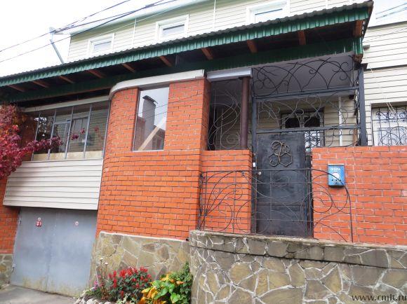 Продаю дом  в центре города, 116 кв.м., 2 этажа. продам или обменяю.